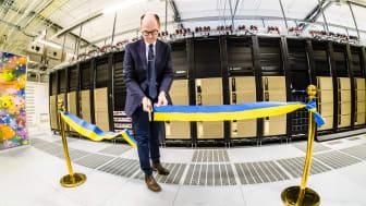 Sveriges snabbaste superdator för AI och maskininlärning – Berzelius – invigs av Jan-Ingvar Jönsson, rektor för Linköpings universitet.