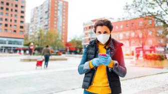 Die Stadtsparkasse München unterstützt ihre Kunden und Mitarbeiter bei der Maskenpflicht.