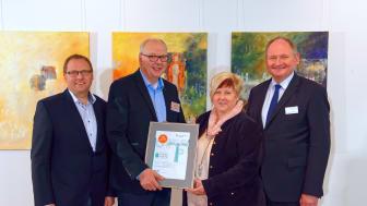 Leuchturmprojekt 2018 Vereinsvorstände (Borchen-)Etteln (v. l.): Markus Bickmann, Andreas Voss, Kornelia Wegener und Dr. Stephan Nahrath, Geschäftsführer Westfalen Weser Energie.