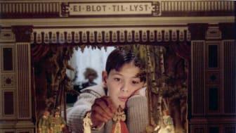 Se eller gense Ingmar Bergmans prisvindende mesterværk, krøniken om familien Ekdals liv set fra et barns perspektiv.