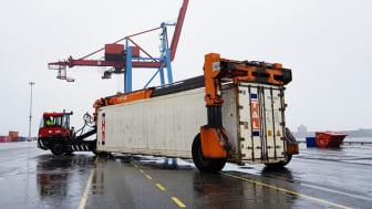 Containern flyttas till en inspektionsruta för att spara bränsle och minska koldioxidutsläpp