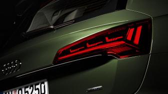 Audi först med att lansera digital OLED-bakljus. Här i Audi Q5.
