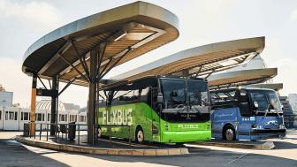 FlixBus fortsätter sin expansion och meddelar idag att de har köpt upp USAs största långdistansbussbolag Greyhound Lines Inc, även känt som Greyhound.