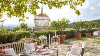 Bienvenue dans un véritable jardin d'été ! Des fleurs multicolores et des fruits frais façon Villeroy & Boch
