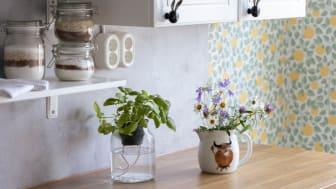 Villa Kokkokalliossa (kohde 25) voi asuntomessujen aikana tutustua Renova-sähköasennuskalusteisiin vanhan sahanjohtajan talon alakertaan remontoiduissa kahvila- ja liiketiloissa. Kuva: Erika Svenss