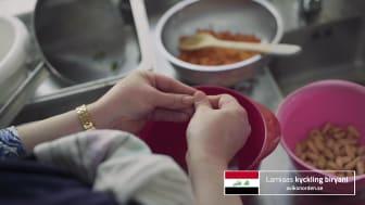 Lamia  från Irak lagar sin kyckling biryani