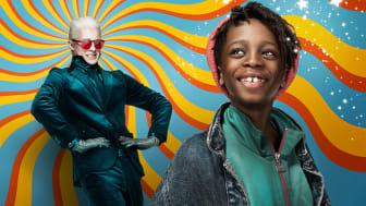 Willy Wonka blir spelt av Fridtjof Stensæth Josefsen, kjend frå NRKs Hit for hit, og Peter Andreas Hjellnes Moseng er mellom dei to gutane som spelar Charlie Bucket. Foto: Eirik Malmo.