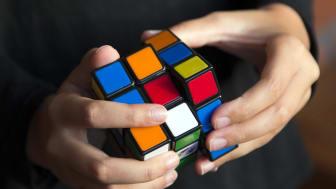 """Tävlingen för alla """"speedcubers"""" arrangeras på Innovatums science center i Trollhättan mellan 15-16 oktober."""