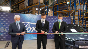 Yiannis Tavanidis, Péter Szijjartó and Tamás Menczer officially opening the Regional Parts Center