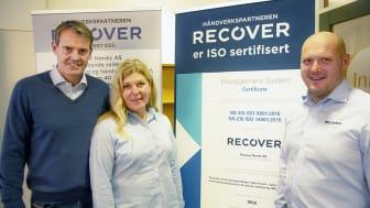 Fra venstre: Salgs- og markedsdirektør Espen Karsrud, kvalitets- og HMS-leder Marianne Mikkelsen og administrerende direktør Vegar Kristoffersen.
