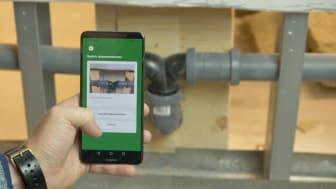 Hantverkaren dokumenterar kontinuerligt arbetet i text och bild via Irenos app.