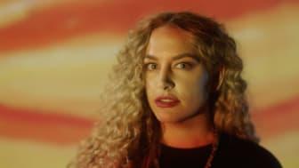 Artisten Izabell har gjort en helt egen musikkvideo til prosjektet for å gi en litt alternativ inngang til Munchs liv og virke