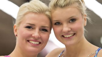 VM-Systrarna Helgesson i topp i Elitseriefinalen i konståkning