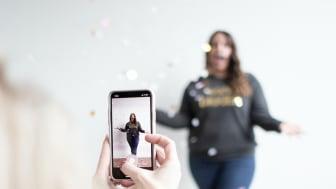 Over 60 prosent av barn- og unge følger med på norske eller utenlandske influencere, viser en ny spørreundersøkelse fra Ipsos (foto: Amanda Vick/Unsplash).
