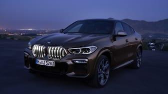 Belyst kølergrill på den nye BMW X6