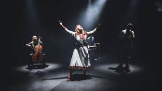 Samiske Kajsa Balto er ein av artistane på opningskonserten i Førde, torsdag 8. juli.