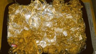 Gold smuggler behind bars