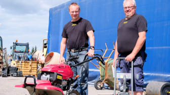 Rikard Sundin och Janne Wenström på Hyresmaskiner bidrar till verktygens återbruk genom Klaravik.