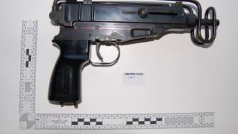 [The Skorpion machine gun recovered in Brixton]