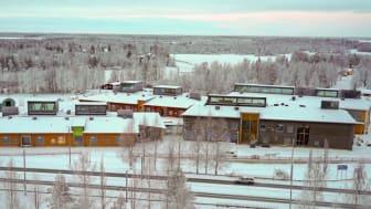 Swecon kohde Pudasjärven Hirsikampus on vuoden 2016 Puupalkinnon sekä yleisöäänestyksen voittaja