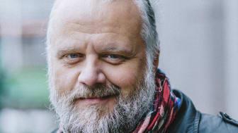 Peter Hallström ger en välgörenhetskonsert i Motala den 18 oktober.