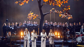 """First Aid Kit hyllar Leonard Cohen – livealbumet """"Who by Fire"""" ute nu"""