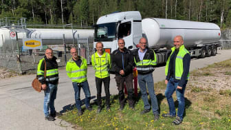 The first delivery of fossil free propane gas to the paper mill in Skåpafors. The Management team of Rexcell Tissue & Airlaid AB.