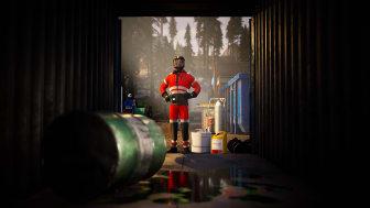 Arbeider-ser-inn-i-en-container-som-skal-rengjores-TRA-01923- Foto_Amanda_van_Til.PNG