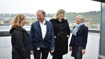 Med BREEAM-NOR har Bane NOR Eiendom holdt fokus på bærekraft. F.v: Hilde Sæle (rådgiver i Grønn Byggallianse), Eyvind Skaar (prosjekdirektør i Bane NOR), Viel Sørensen (sertifiseringssjef i Grønn Byggallianse) og Aashild Baasen (Metier OEC).