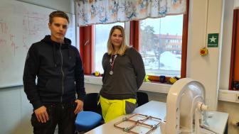 Jonas Buska, lärare på VVS-utbildningen och Karolina Bucht studerande på VVS-utbildningen i Övertorneå och färsk silvermedaljör i yrkesskicklighet.