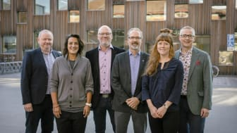 New leadership at Umeå School of Architecture, with vice chancellor and dean. From left Hans Adolfsson, vice chancellor, Amalia Katapodis, Mikael Henningsson, Michael Gruber, Sara Thor, and Mikael Elofsson, dean. Photo: Mattias Pettersson