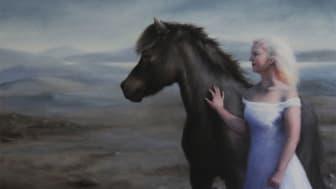 """Ett av de vackra verk som hänger under utställningen; """"Flickan och hästen YFIR SPRENGISAND"""" av Sigríður Huld Ingvarsdóttir."""