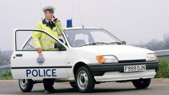 FordFiesta_1989-1995_fiesta_3-door_police_01