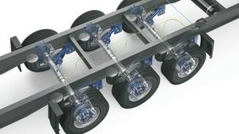 AirSave nutzt die vorhandene Trailer-Pneumatik und sorgt mit einer Verstärkerpumpe vollautomatisch dafür, dass der voreingestellte Reifendruck jederzeit eingehalten wird.