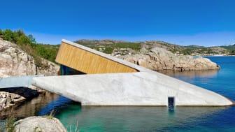 Den arkitekttegnede undervandsrestaurant 'Under' i Norge.