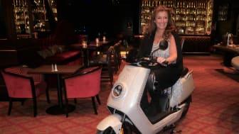 När casinot firade 15 år var den här glittrande mopeden en mystery jackpot.