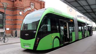 Resandet med kollektivtrafik i Skåne har närapå halverats