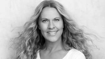 Feelgoodförfattaren Linda Netsman släpper romanen Livet på landet enligt Sophie Manie