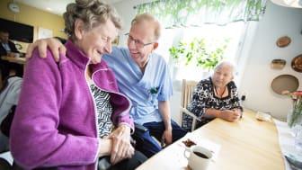 Socialnämndens budget utökas med 30 miljoner kr. Syftet är att genom verksamhetsutveckling långsiktigt kunna möta växande behov inom hemtjänst, personlig assistans och äldreboende.