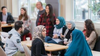 Behöver du stärka dina medarbetare i svenska språket?