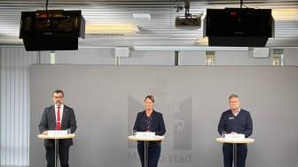 Per-Erik Ebbeståhl, ledningsstrateg på Malmö stad, Gisela Öst, förvaltningschef på hälsa-, vård- och omsorgsförvaltningen och Anders Malmquist, grundskoledirektör i Malmö stad.