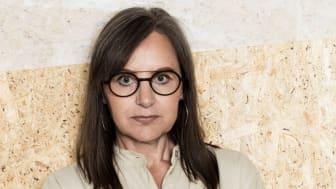 """""""Vi måste bygga så hållbart vi bara kan och utveckla metoder, modeller och material som fungerar. Vi har inte råd med något annat"""", säger Anna Du Rietz, kontorschef på Wester+Elsner arkitekter."""