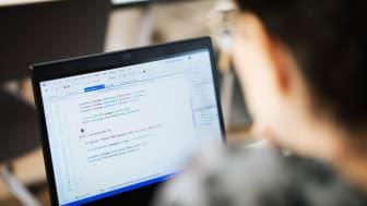 Nackademin går mot strömmen med fullsatta klasser inom IT