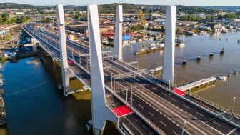 Invigningsperioden för Hisingsbron har pågått sedan bron öppnades för trafik den 9 maj och avslutas den 5 september, då vi välkomnar Hans Majestät Konungen till att inviga Hisingsbron. Bild: Max Hjalmarsson.