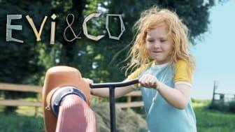 """Evi från barnprogrammet """"Evi&Co"""", finns nu att se på SVT play"""