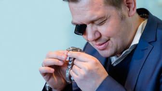 Bruun Rasmussens eksperter kan fortælle dig, hvad dit smykke eller armbåndsur er værd.