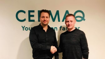 Cermaq has signed an agreement with SFI to support development of the SFI delousing system. Harald Takle, R&D Manager Farming Technology in Cermaq Group (left) and Eyðbjørn Hansen, Managing Director of Sea Farm Innovations (right)
