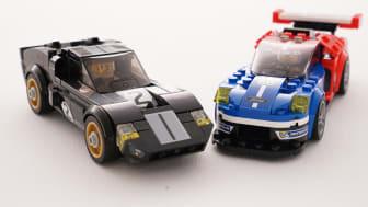 Ford GT40 och nya Ford GT i LEGO-miniatyrer.