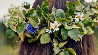 De svenske traditioner er i højsædet, når IKEA inviterer til midsommerfest og kick-off for IKEA København med bl.a. majstang og DIY blomsterkranse