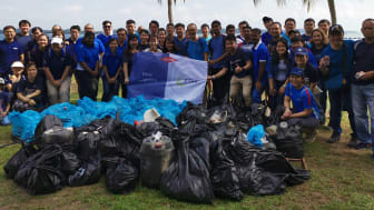 DSV and DOW employees at beach clean up event in Singapore November 2019